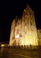 LEON CATHEDRAL ILLUMINATED ON A COLD MARCH EVENING