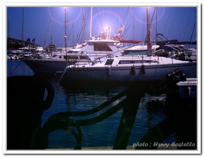 les barques dans le port