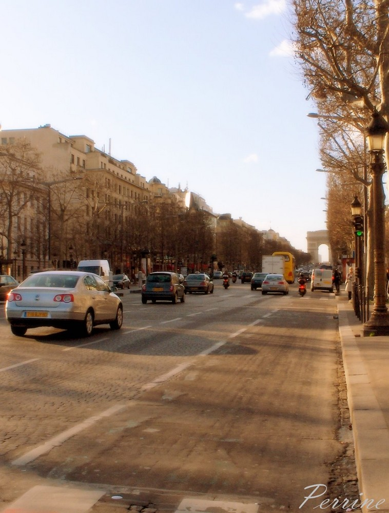 Les Champs-Elysées :)