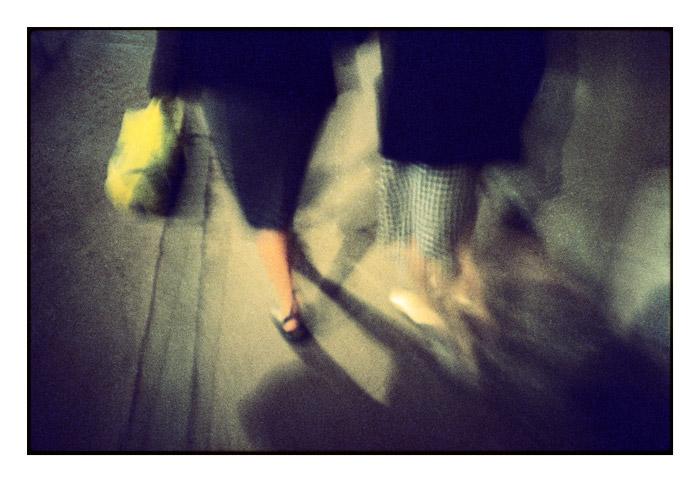 Les dames et le sac jaune