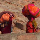 Les jeunes femmes de Jaipur, Rajasthan.