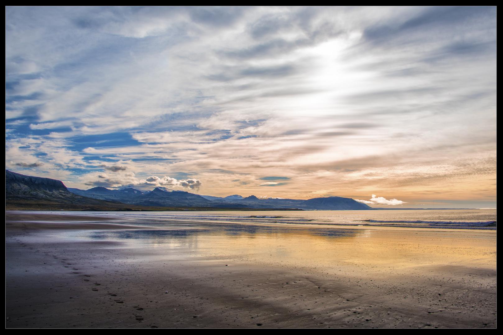 Les pas dans le sable