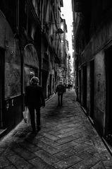 Les ruelles sombres de Gênes