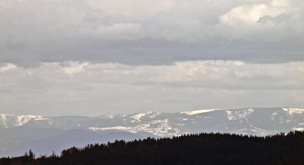 """Les Vosges sous les nuages de la tempête """"Xynthia"""""""