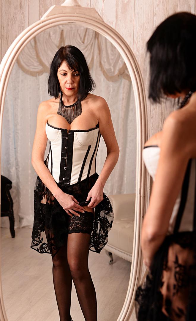 Let´s Get Dressed...Or...Undressed?