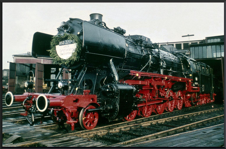Letzte Dampflokfahrt 050 220-3 des Bw Gremberg