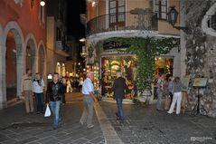 Letzte Einkäufe vor dem Fest, Taorminas Sizilien