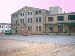Letzte Gebäude der ehemaligen Filmfabrik Wolfen anno 2003
