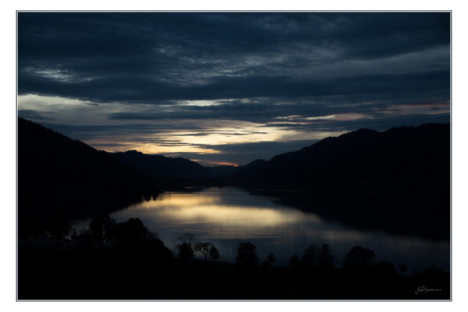 Letztes Licht am großen Alpsee