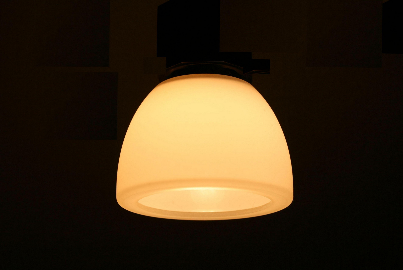 Leuchte e