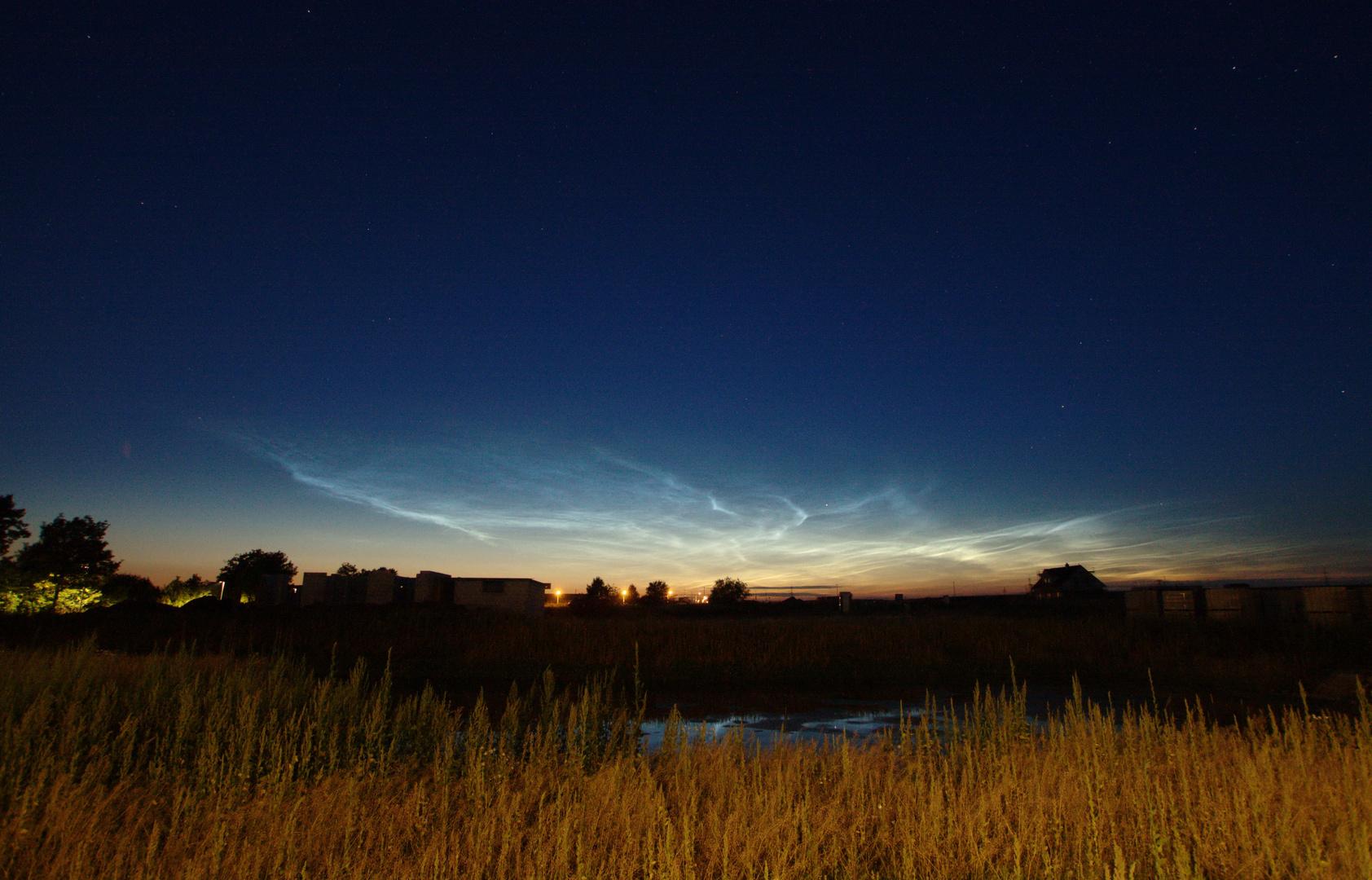 Leuchtende Nachtwolken in Groß Schwülper am 03.07.2014