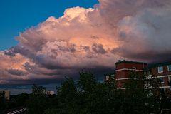 Leuchtende Wolken über Norderstedt-Glashütte (2)