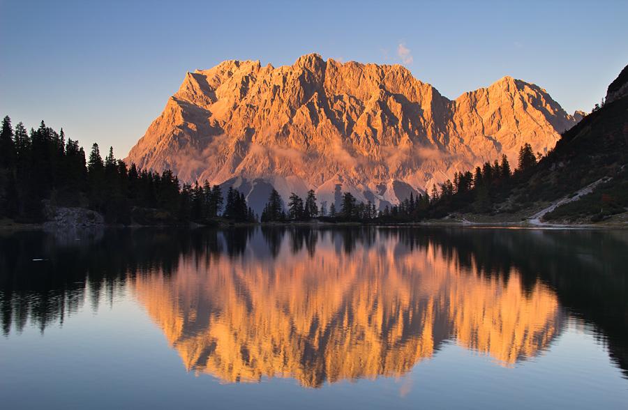 Leuchtende Zugspitze