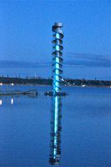 leuchtender Pegelturm