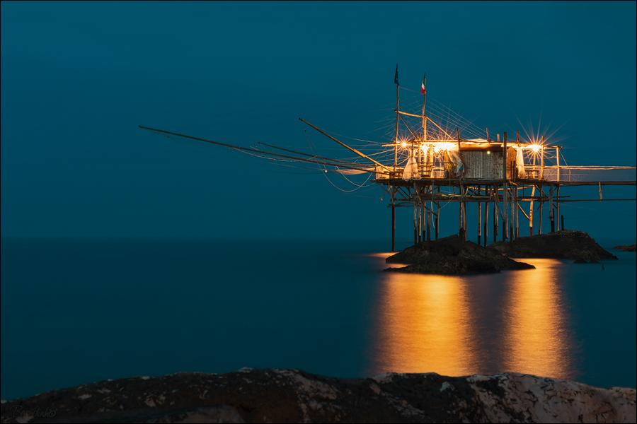 Leuchtendes Fischerhaus