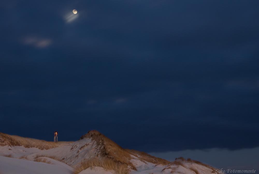 Leuchtfeuer im Mondlicht