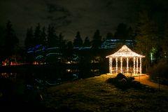 Leuchtpavillon im Geisterwald