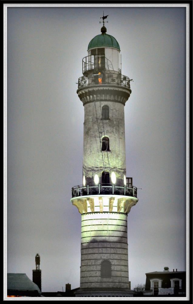 Leuchtturm am grauen Neujahrshimmel 2009 / old Lighthouse