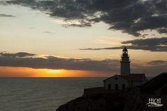 Leuchtturm bei Sonnenaufgang