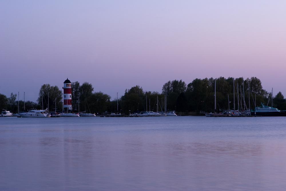 Leuchtturm Brinkamahof zur blauen Stunde