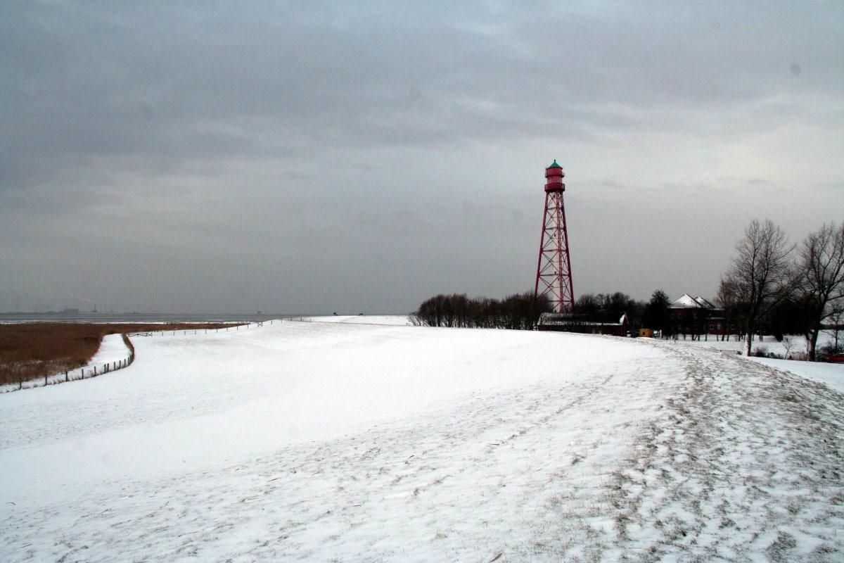Leuchtturm im Schnee
