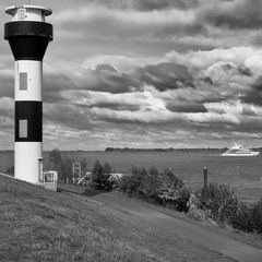 Leuchtturm Tweelenfleth, Unterelbe