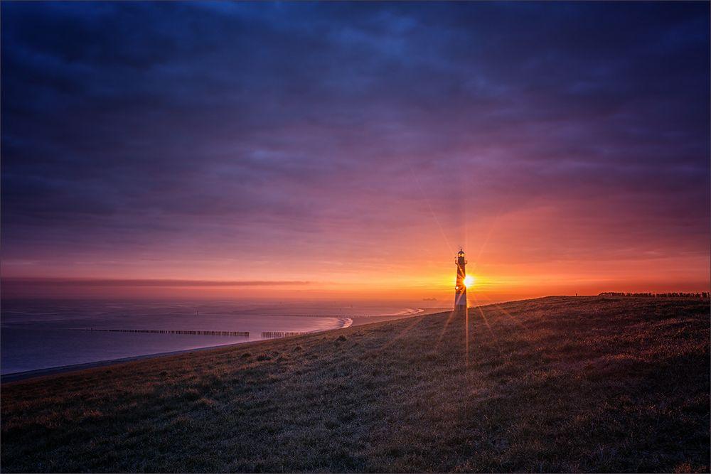 Leuchtturmromantik zu Sonnenaufgang
