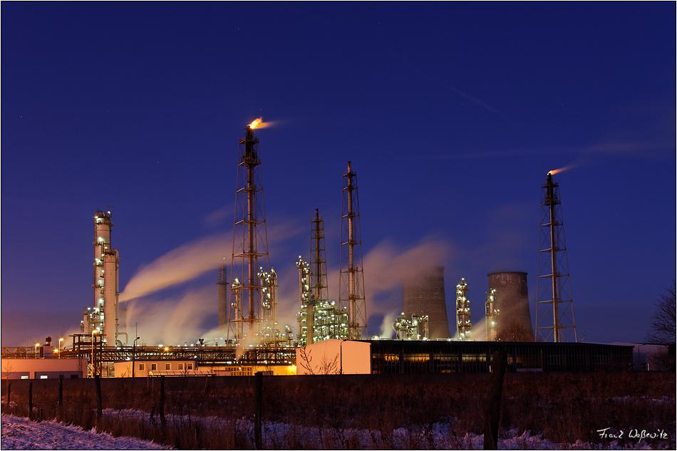 Leuna Werke - TOTAL Raffinerie Mitteldeutschland GmbH (Spergau) im Winter