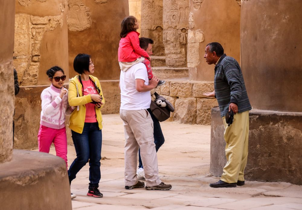 Leute Karnak Egypt Ca-20-28-col +8Reisefotos