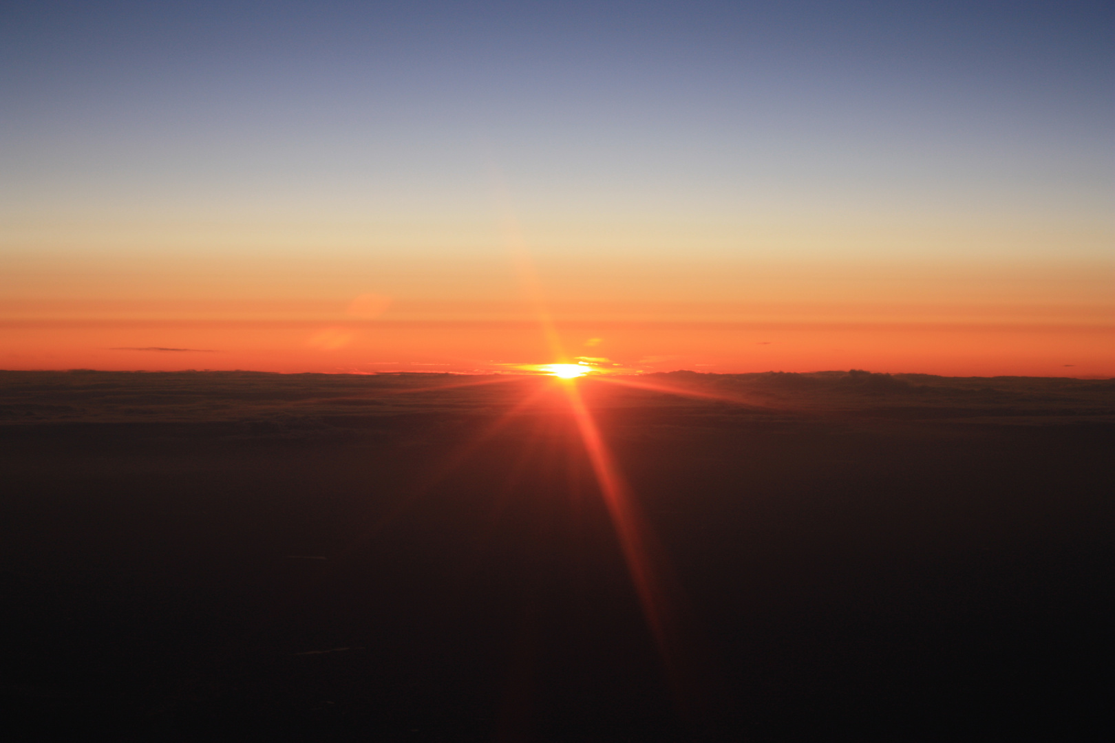lever de soleil pris d'un avion
