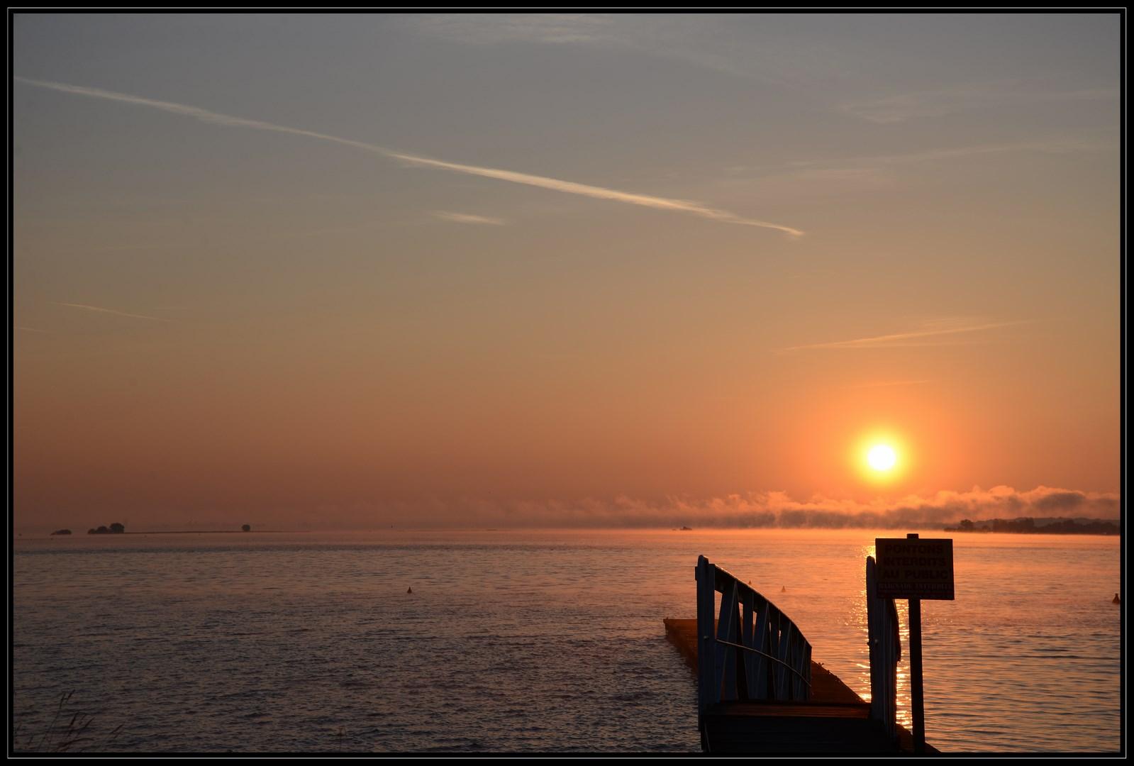 Lever de soleil sur le lac du Der