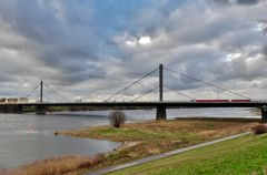 Leverkusen - Marode Rheinbrücke auf der A 1
