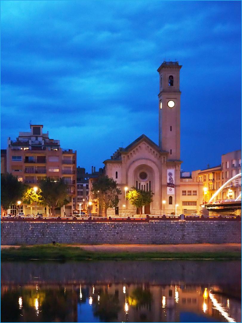 L'heure bleue le long de l'Ebre à Tortosa