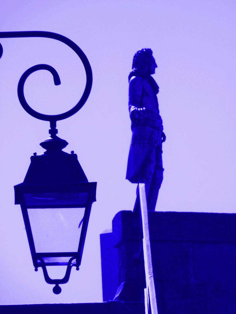 l'homme en bleu au levé du jour