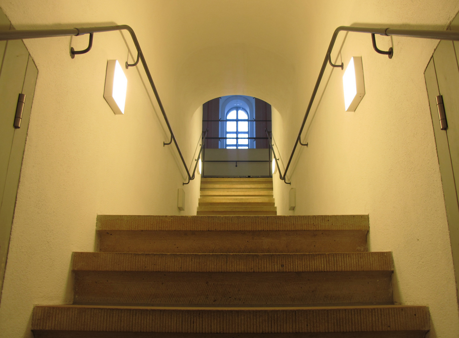 Licht am Ende der Treppe..................