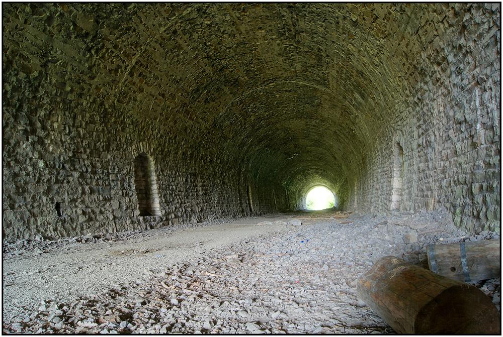 """""""Licht - an beiden Enden des Tunnels"""""""