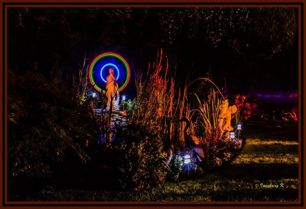 Licht im Garten zur dunklen Jahreszeit