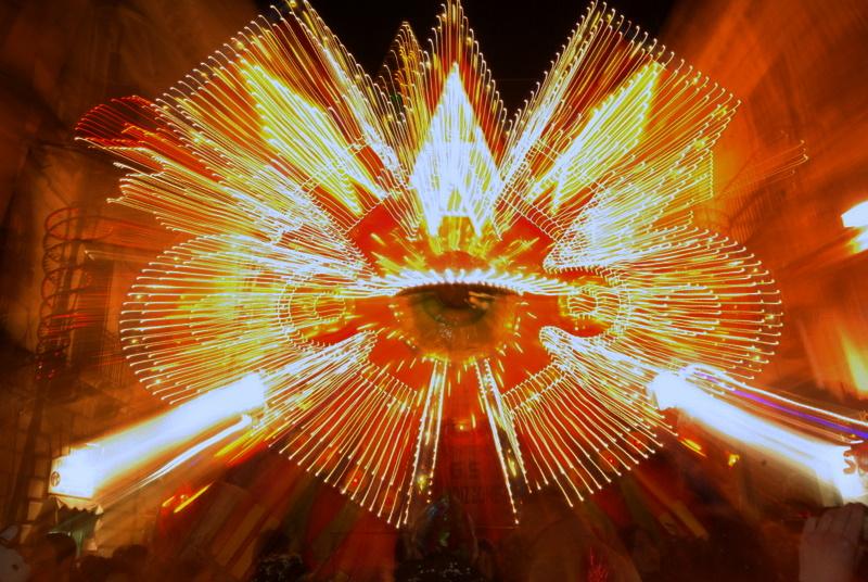 Licht kunst aus Acireale der Schònest Carneval von Sizilien