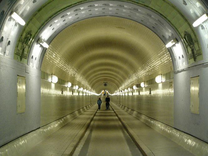 Licht - nicht nur am Ende des Tunnels!