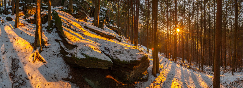 Licht und Felsen