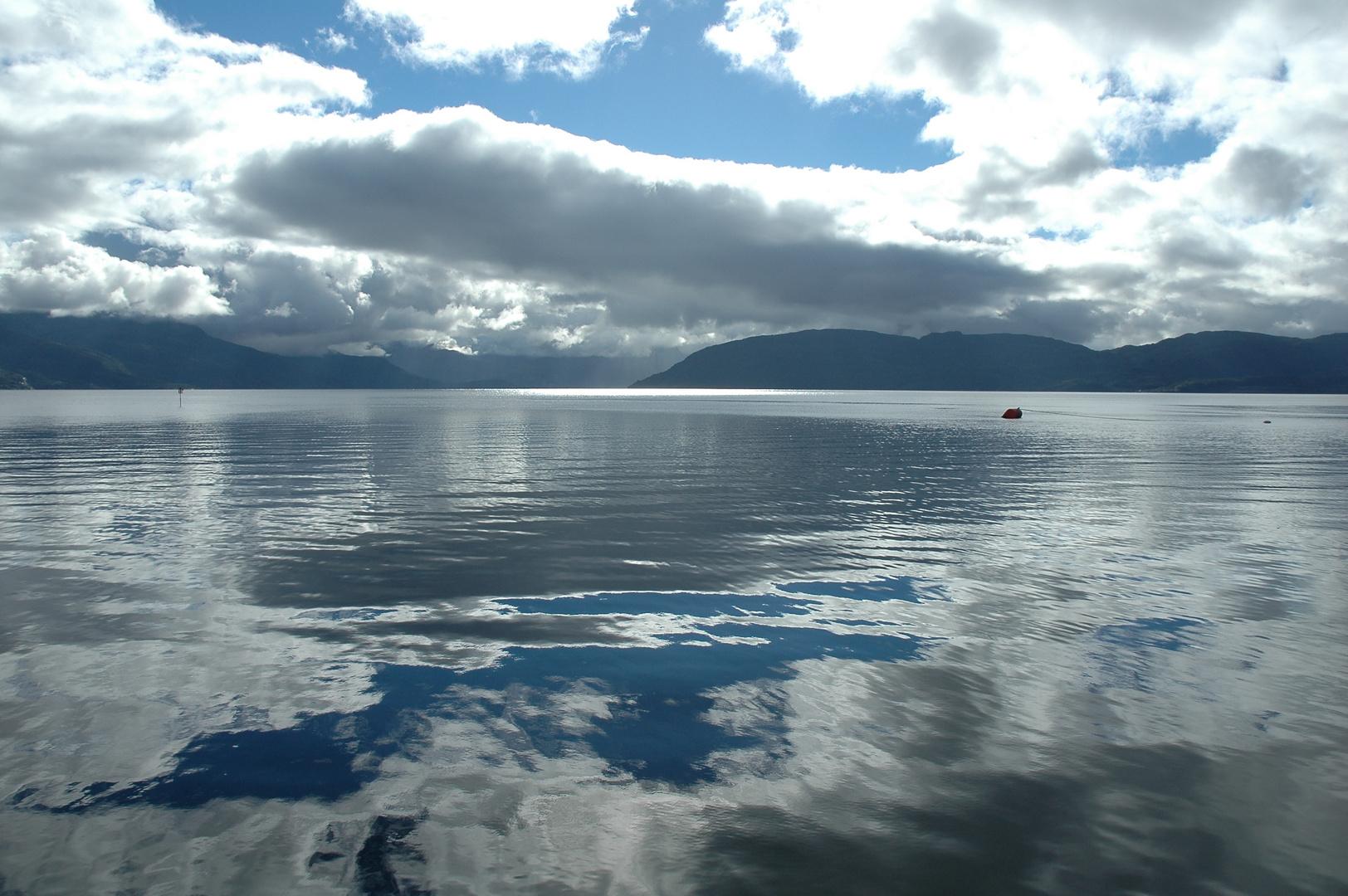 Licht und Schatten am Hardanger Fjord