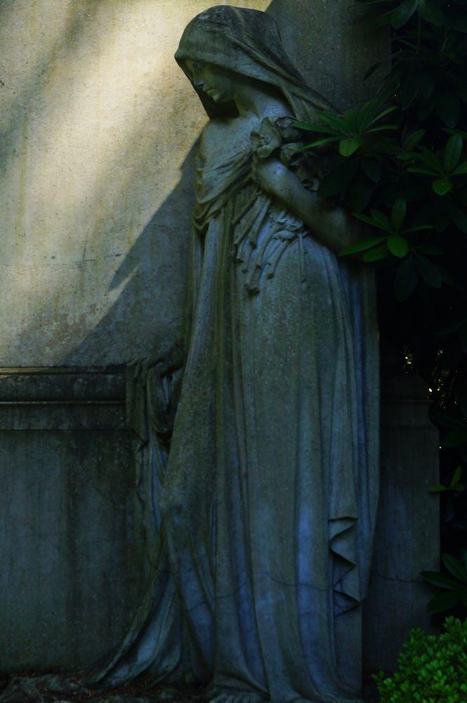...Licht und Schatten - ...ein andächtiger Moment..