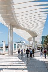 Licht- und Schattenspiele im Hafen von Málaga (Andalusien)