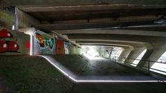 Licht unter der Brücke