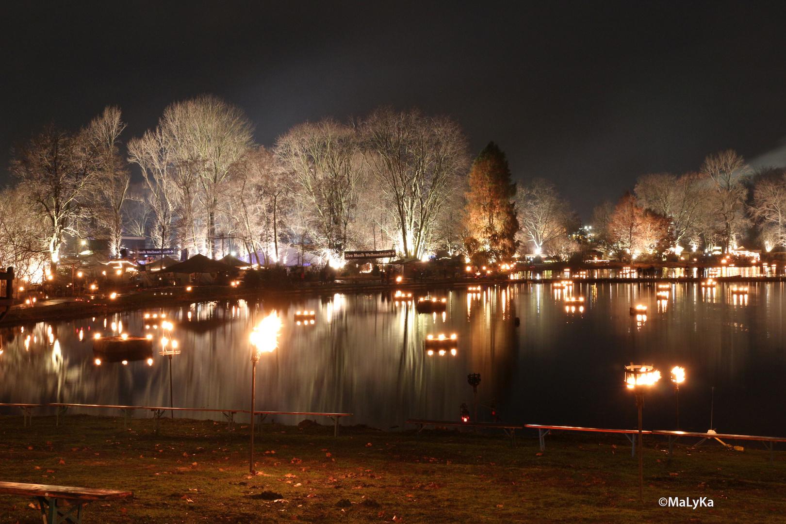 Mittelalter Weihnachtsmarkt Dortmund.Lichterweihnachtsmarkt Fredenbaum Dortmund Foto Bild Landschaft