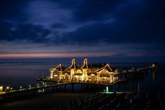 Lichthaus im Meer