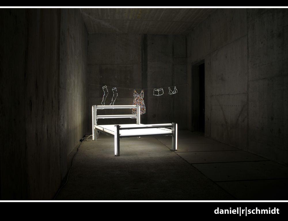 Lichtinstallation im Atelier der Künstlerfamilie Montez