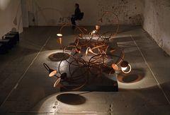"""Lichtkunst-Installation """"Kupferröhrensystem mit Licht-Synapsen"""""""