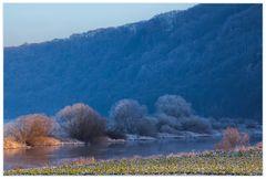 Lichtorange und schattenblau... (Winter-Impression an der Weser...)