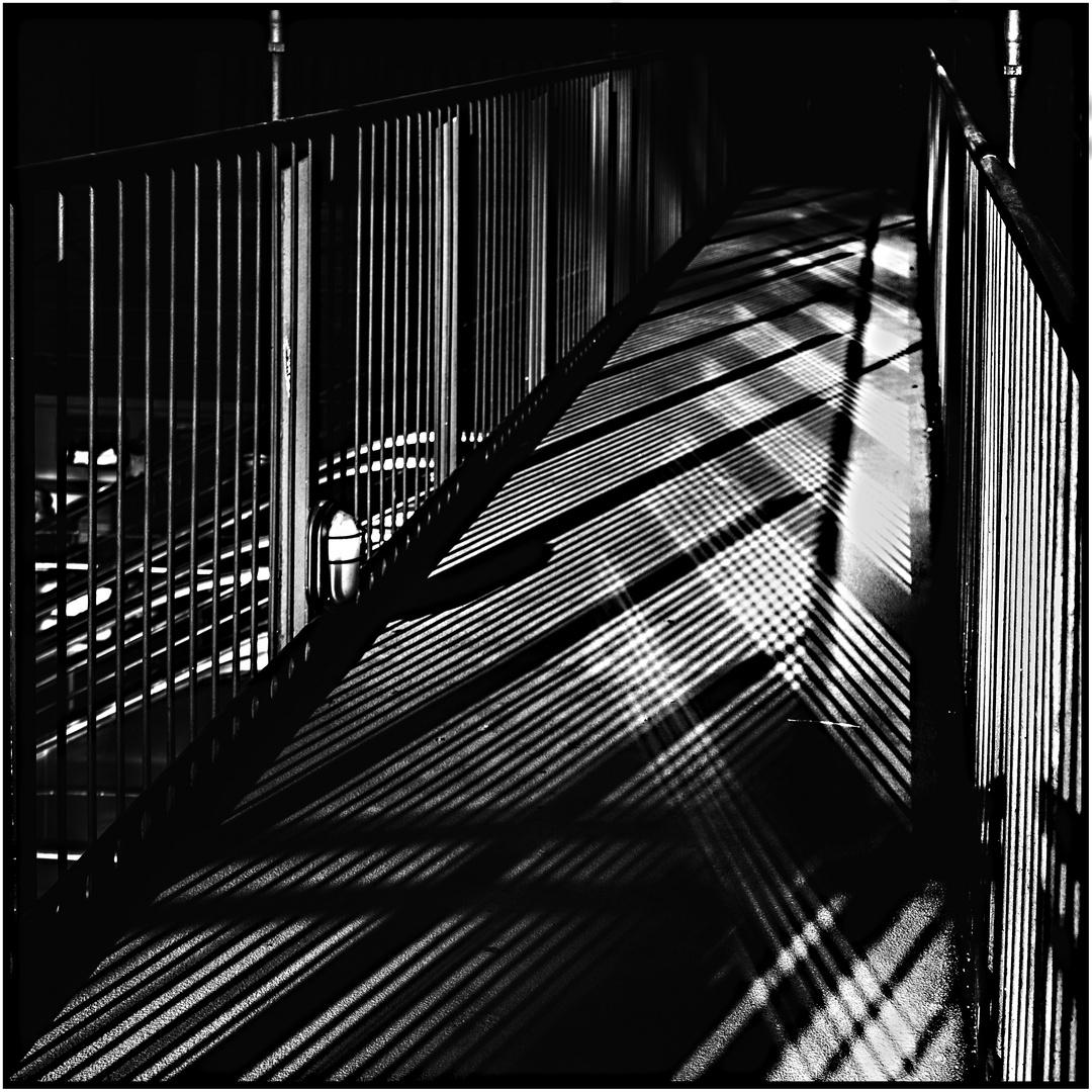 Lichtspiel-Brücke